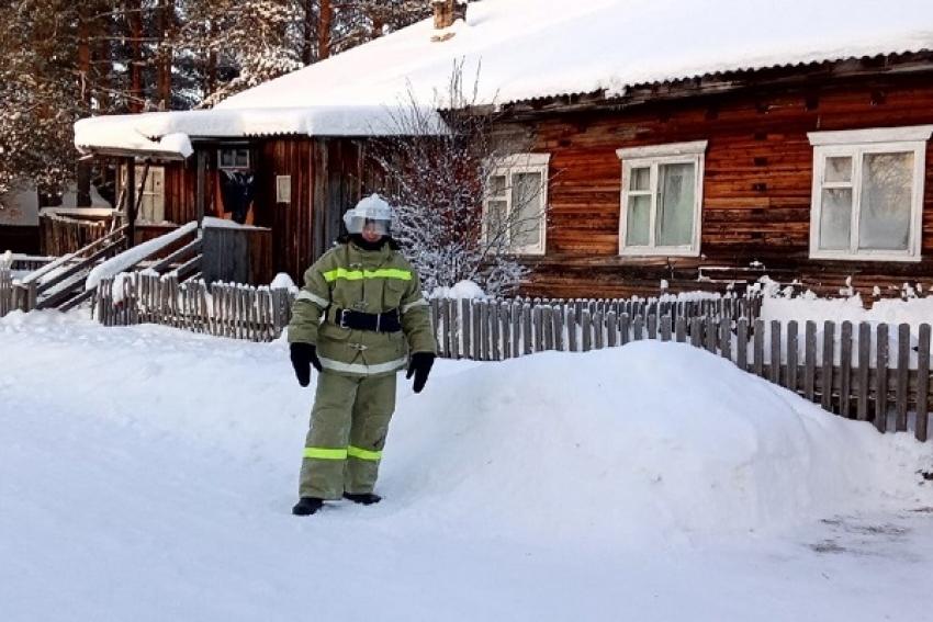 Пожарный доброволец спас 4-квартирный дом от пожара