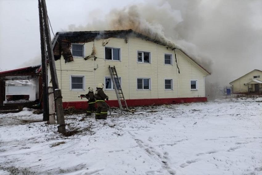 В Шенкурске горела гостиница, обошлось без пострадавших