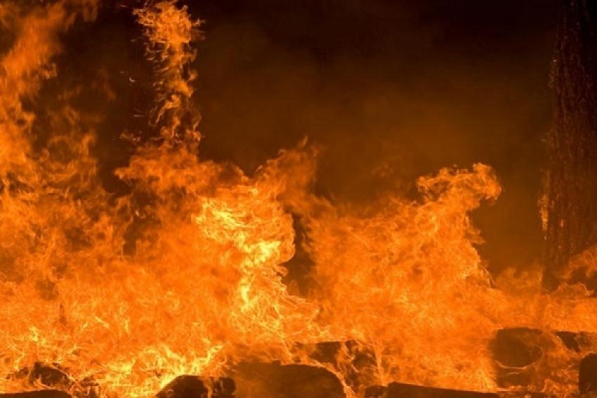 Верхнетоемские пожарные спасли гаражный бокс и технику