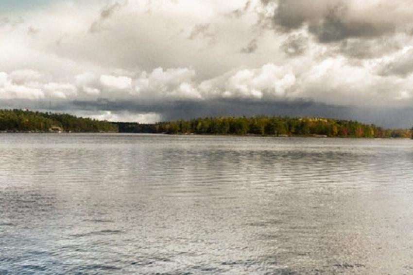 На Северной Двине перевернулась лодка с рыбаками, выплыть удалось только одному (Холмогорский район)