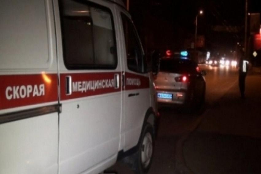 В Северодвинске водитель с четырьмя пассажирами в машине врезался в дерево