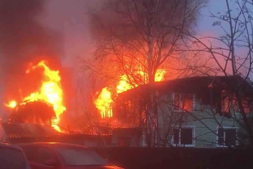 В Маймаксе тушили пожар по повышенному номеру сложности