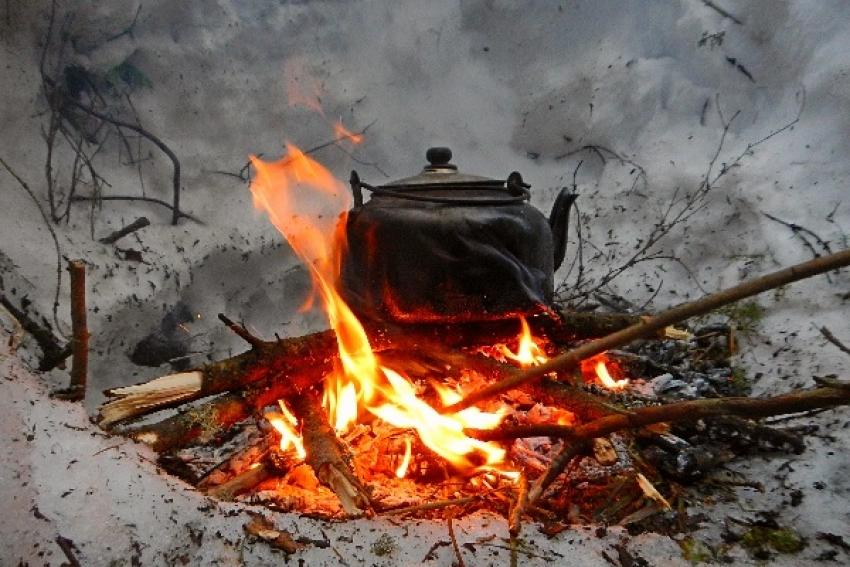 Северодвинские рыбаки утопили снегоход и 15 километров шли до ближайшего жилья. История спасения