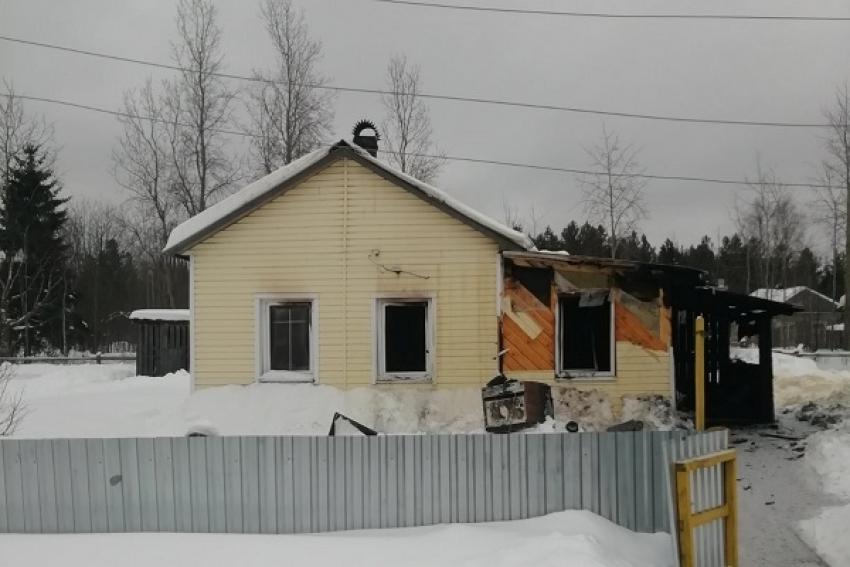 Дом загорелся, пока 90-летняя хозяйка занималась скандинавской ходьбой