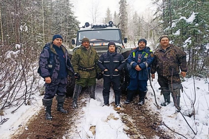 Провел 4 ночи в лесу, питаясь снегом: охотник, пропавший в Холмогорском районе, найден живым