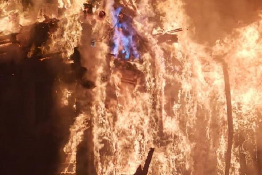 В островной деревне Реушеньга сгорел дом