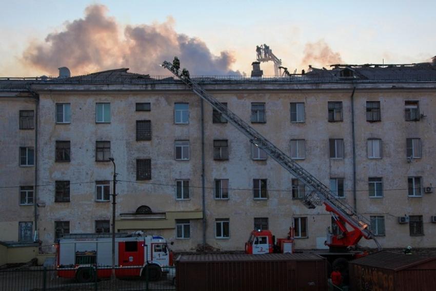 Пожар в четырехэтажном доме тушили по повышенному номеру сложности