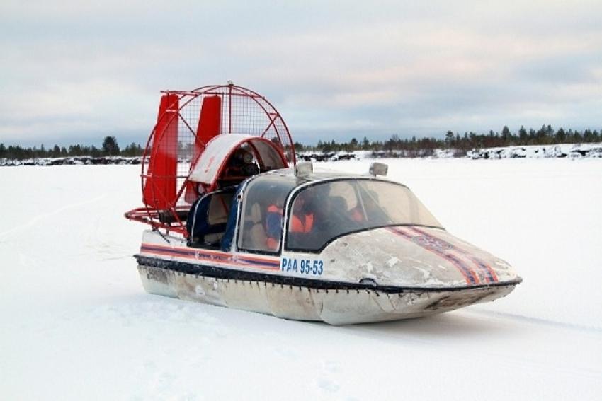 Мужчина едва не замерз насмерть, пытаясь добраться до города по льду