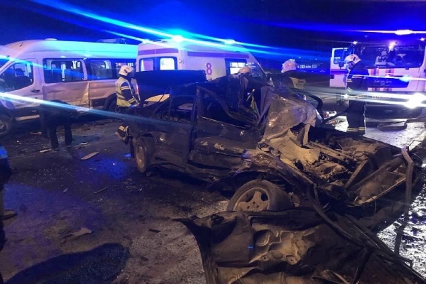 В ДТП с автобусом пострадали пять человек