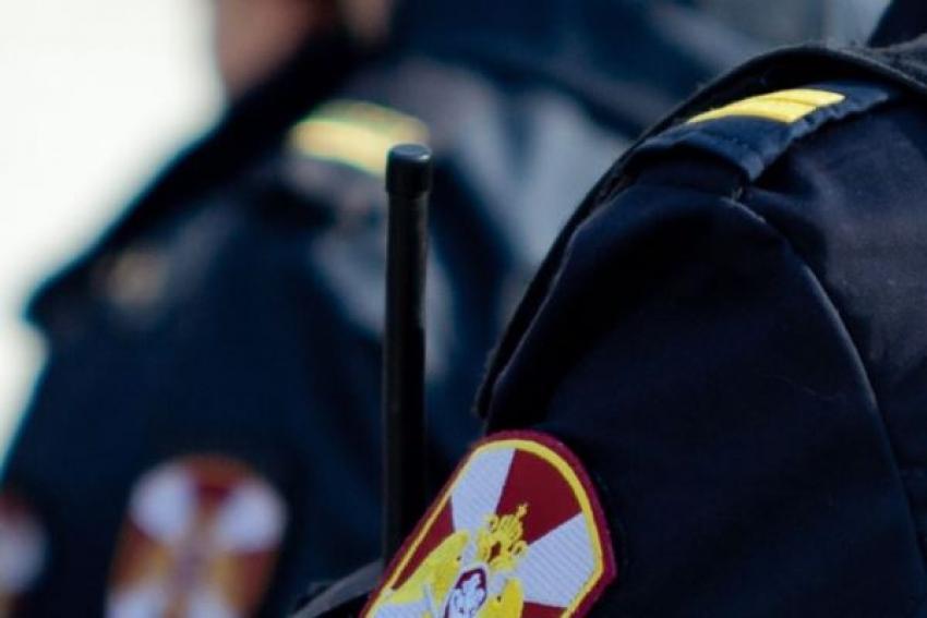 В городе корабелов сотрудники Росгвардии задержали подозреваемого в совершении квартирной кражи
