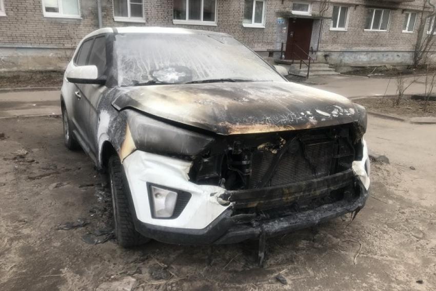 Ночью в Архангельске горела иномарка