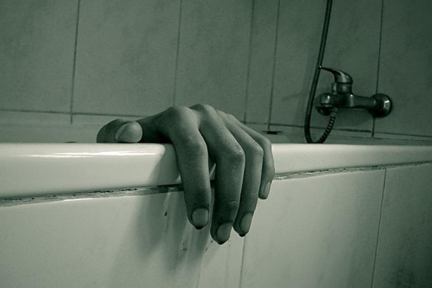 Девушку в ванной убило ударом тока