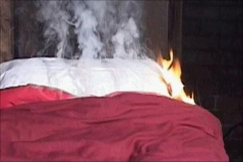 Добровольцы спасли на пожаре женщину и ребенка