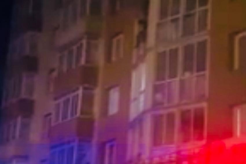 Два ночных пожара в Архангельске: девушку спасли, обошлось без пострадавших