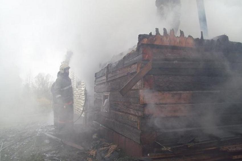 Добровольцы спасли дом от пожара