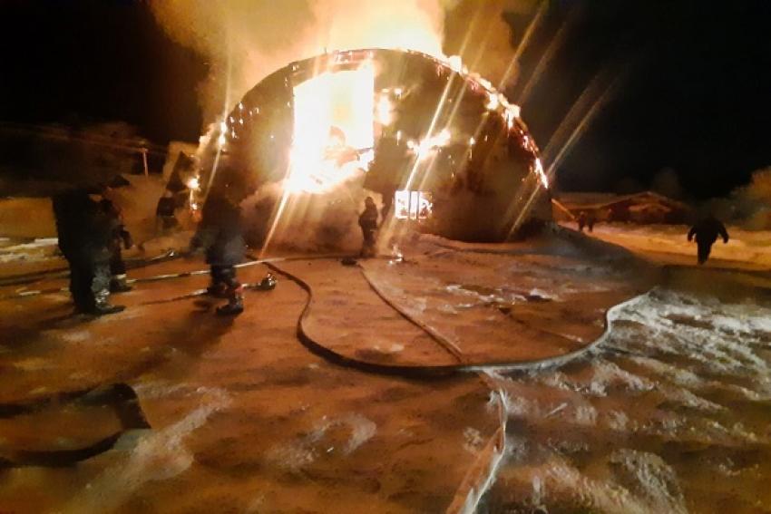 В Коноше сгорел мебельный магазин