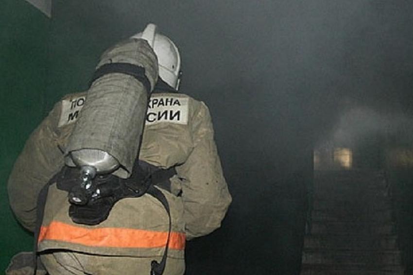 В Котласе при ночном пожаре погибла пожилая женщина