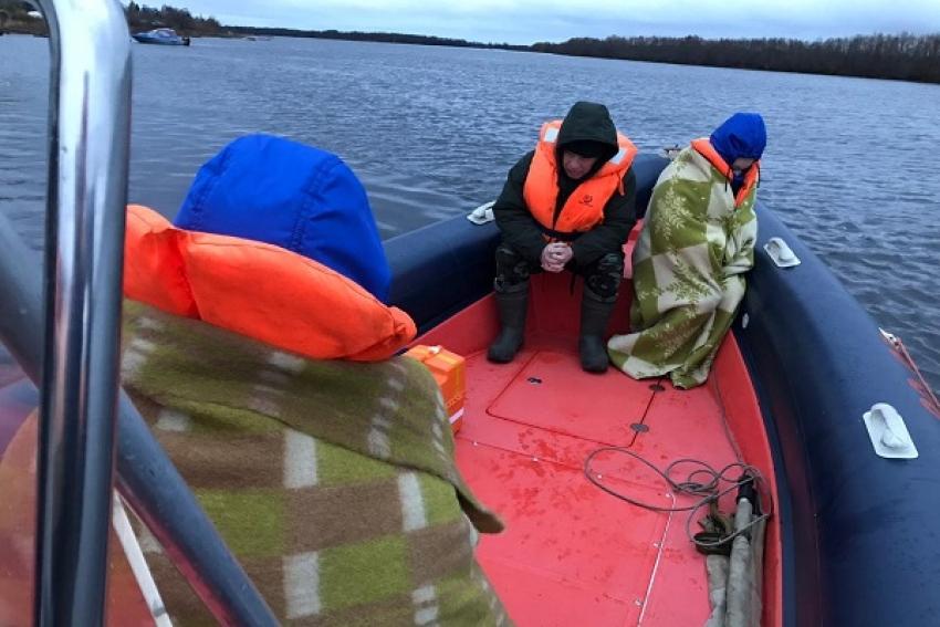 Спасатели помогли госпитализировать человека с о. Наумов