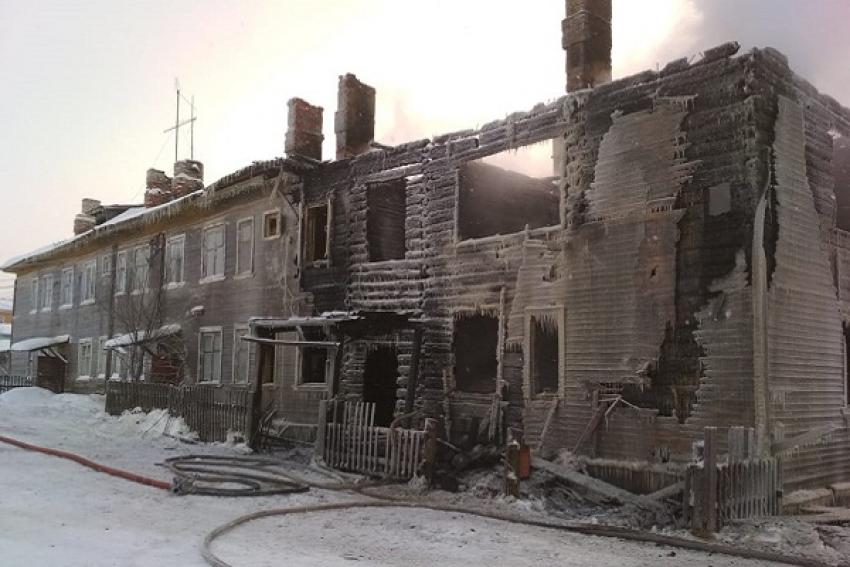 Четыре человека погибли при пожаре в селе Ломоносово
