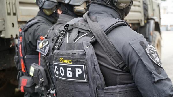 При участии архангельского СОБР Росгвардии задержан подозреваемый в наркопреступлении