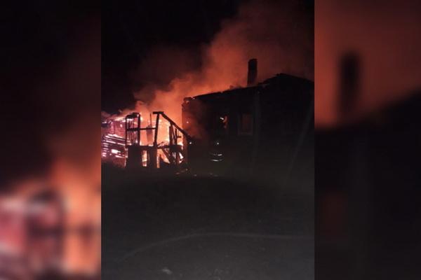 Два человека погибли при пожарах сегодня ночью