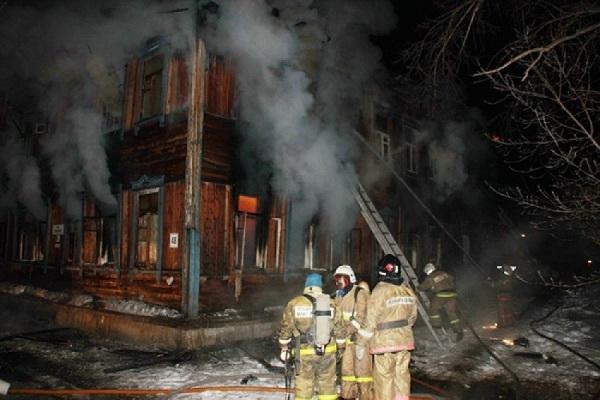 При пожаре в Онеге эвакуированы четыре человека