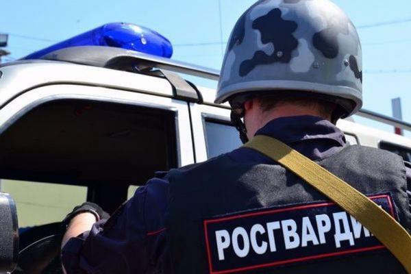 На Левом берегу Архангельска наряд Росгвардии задержал подозреваемых в ограблении магазина
